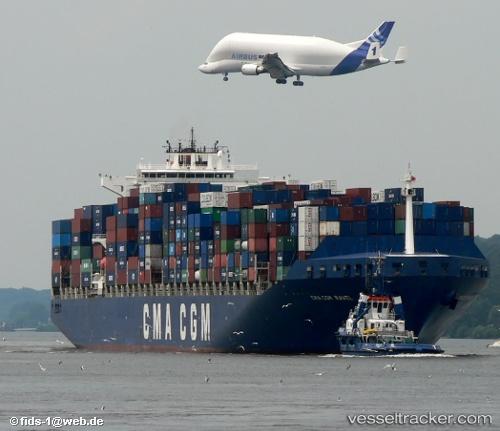 http://images.vesseltracker.com/images/vessels/midres/34201.jpg